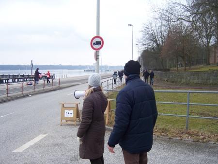 Groupie-Dienst am Halb-Marathon - Warten auf...